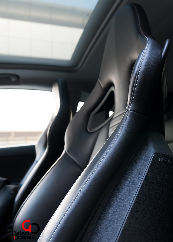2014_Opel_Corsa_OPC_Nurburgring_Edition_seat_side