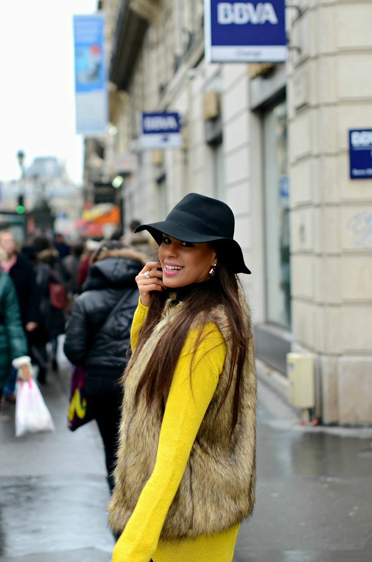DSC_5184 Yellow Zara sweater, Myca Couture hat, Paris 2