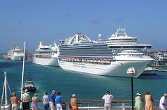 Aruba - Three Cruise Ships