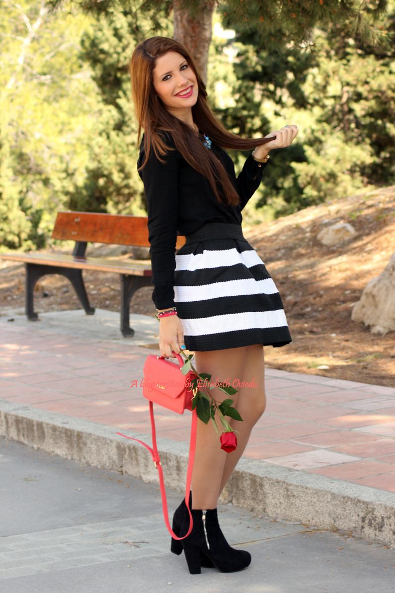 Bolso-Bissú-HEELSANDROSES-falda-de-vuelo-blanca-y-negra-(4)