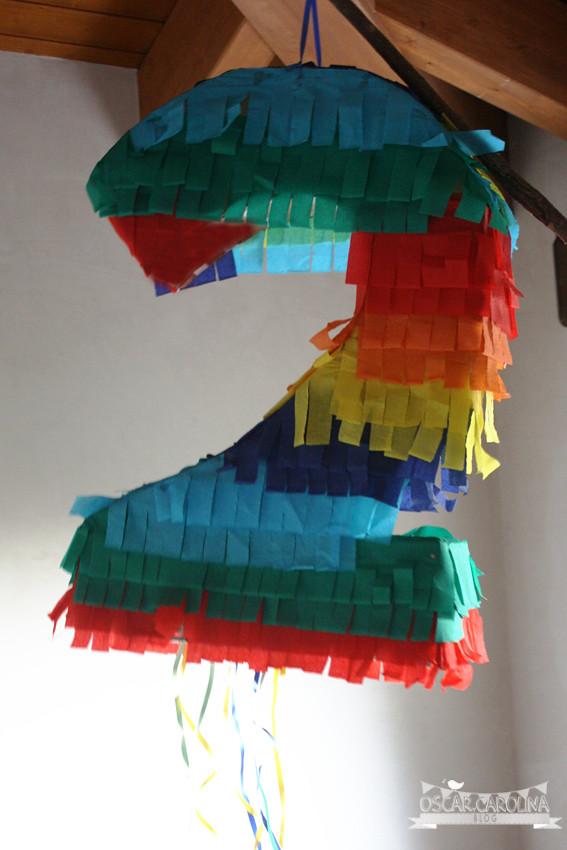 piñata de segundo cumpleaños