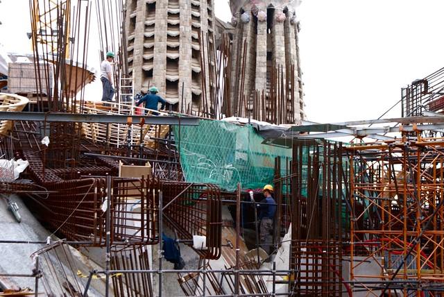 Construction du toit de la Sagrada Familia.