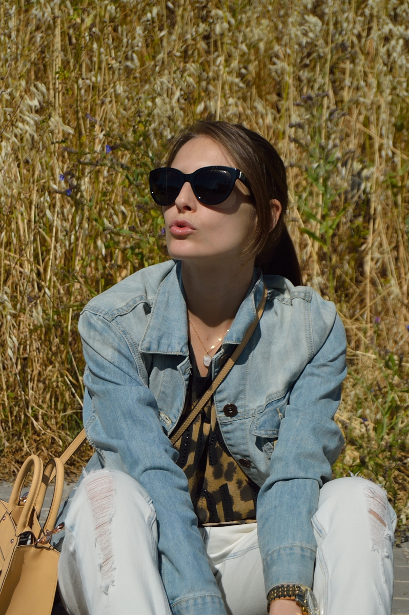 lara-vazquez-madlula-fashion-blog-denim-kiss