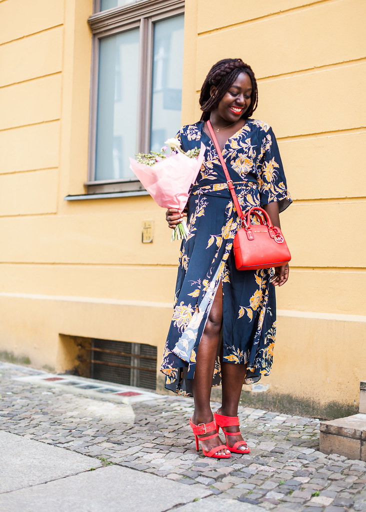 lois-floral-24  fashion week street style
