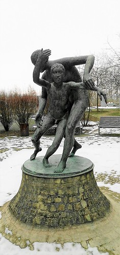2000 Zeitz Mutter und Kind von Joachim Hering Georgius-Agricola-Klinikum Lindenallee 1 in 06712