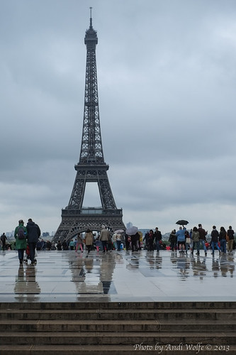 Rainy Day in Paris by andiwolfe