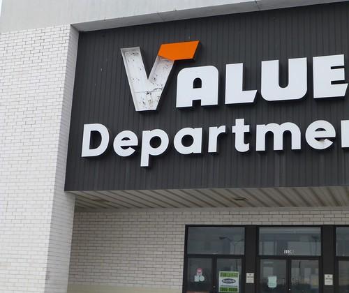 Former Value City Department Store in Boardman, Ohio