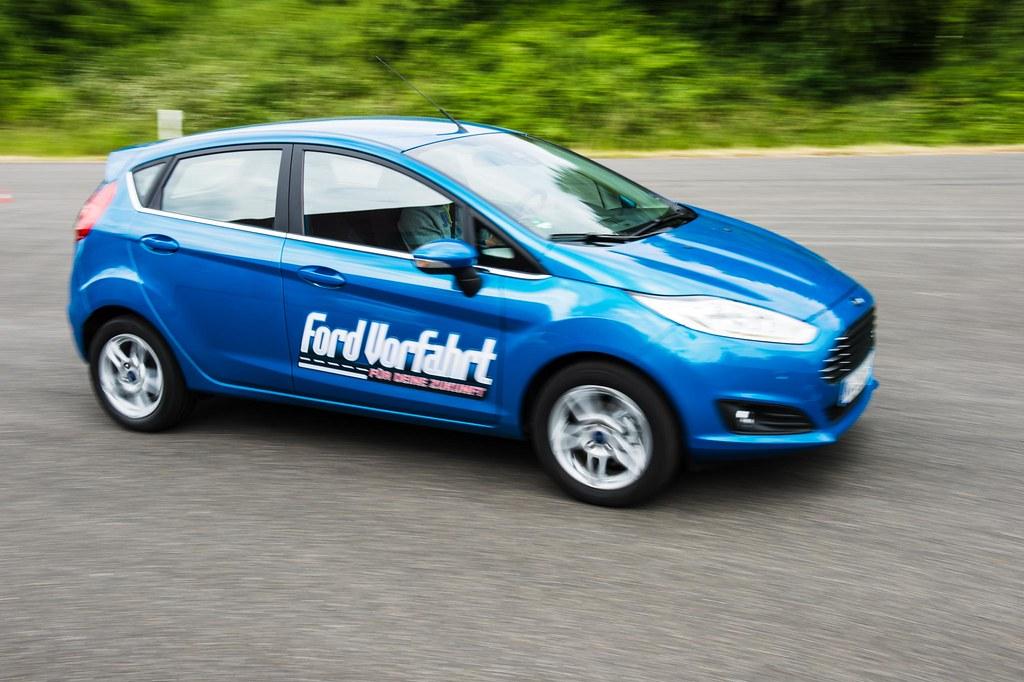 Vorfahrt für deine Zukunft - Ford