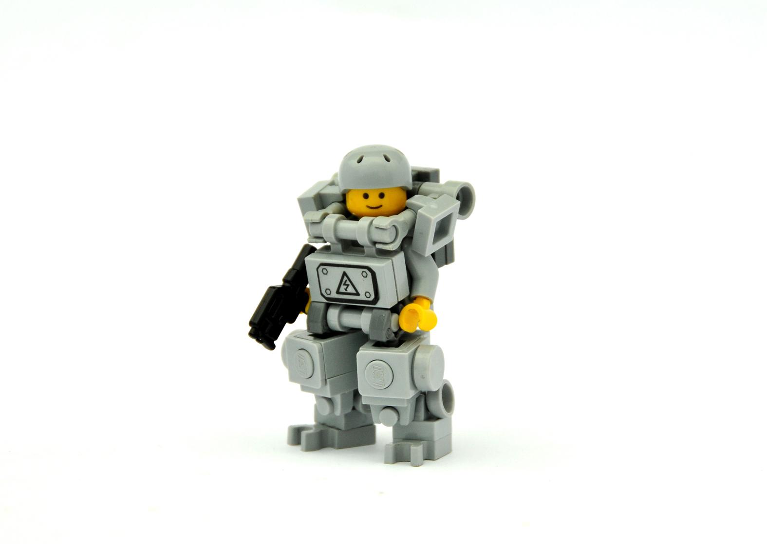 Как сделать робота из лего с кабиной