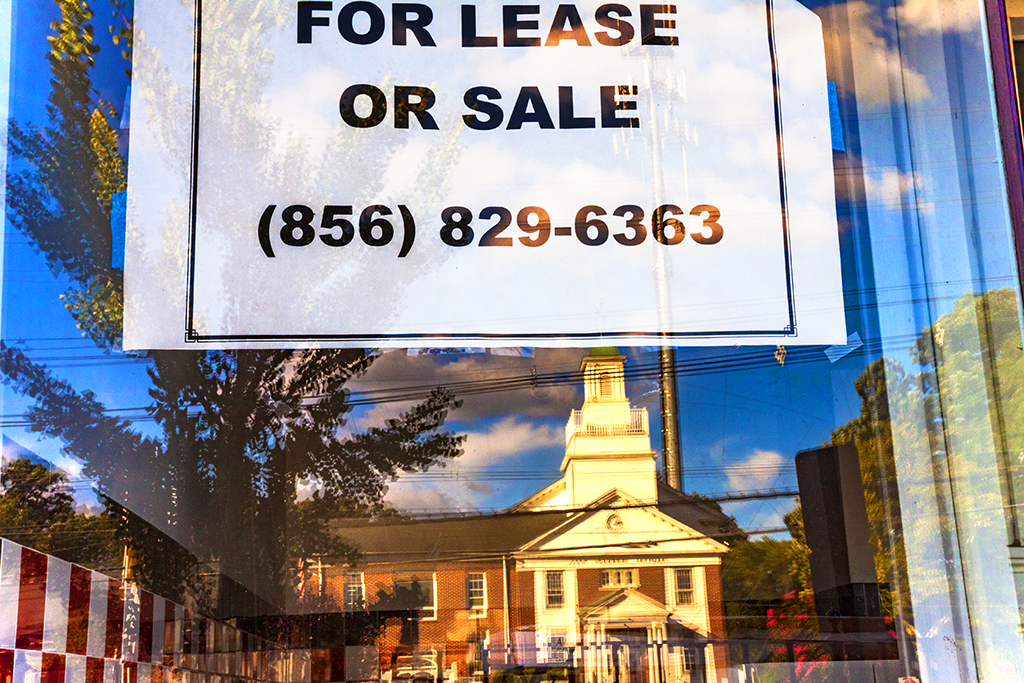FOR-LEASE-OR-SALE-with-municipal-court-bldg--Palmyra