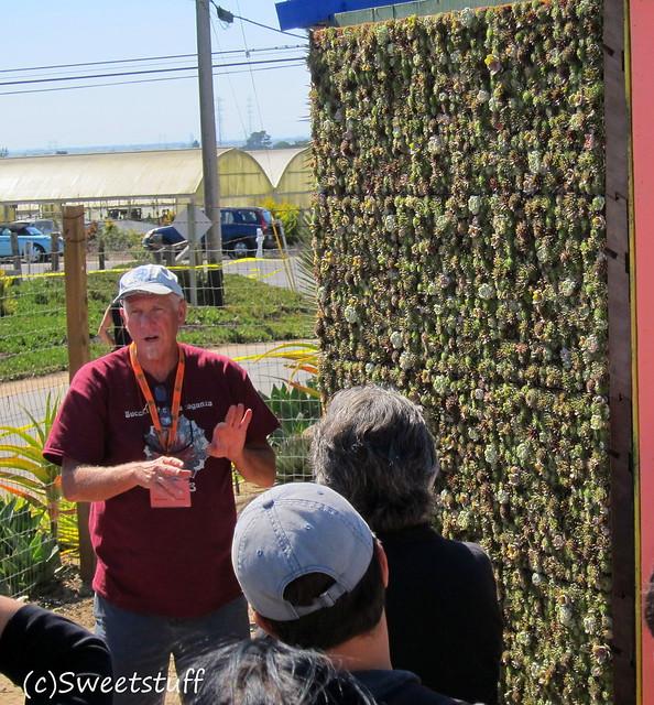 Robin Stockwell explaining panels