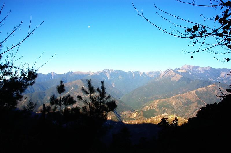 雪劍連棱(From 730林道 )