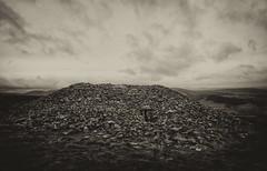 Seefin cairn - exterior