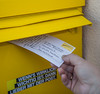 (Postkarte:Email) entspricht (Analogfoto:Digitalfoto) by GruenesMonster72