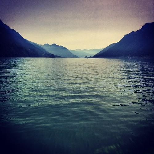 blue lake mountains water schweiz switzerland wasser brienz suisse berge berner bernese oberland