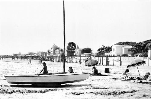 Vista de la platja des de la part oriental del Trajo de Llevant. Anys cinquanta.
