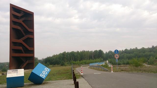 """Aussichtsturm """"Rostiger Nagel"""" (30 m) am Sedlitzer See."""