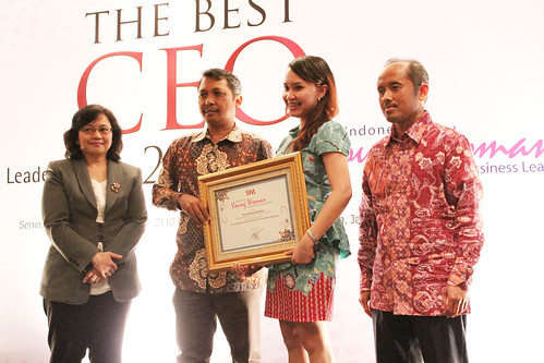 Indonesia Young Women Future Leader 2013: Riva Dwitya Akhmad.