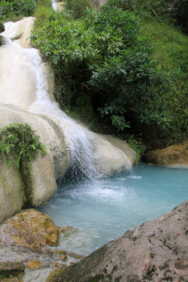 Erawan Waterfall - A great outdoor day in Kanchanaburi, Thailand