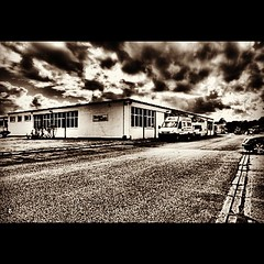 HDR - Gardner Denver #work #fun #hdr #clouds #dramatic #bnw #blackandwhite #uk #bradford #morning