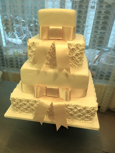 Classic White and Cream Wedding Cake by CAKE Amsterdam - Cakes by ZOBOT