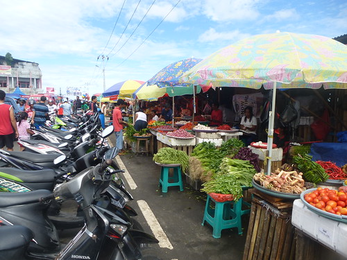 Moluques13-Ambon-Ville-marche (6)