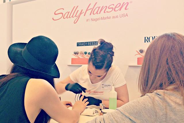 Sally Hansen @FashionBloggerCafé I StylebyCharlotte.com