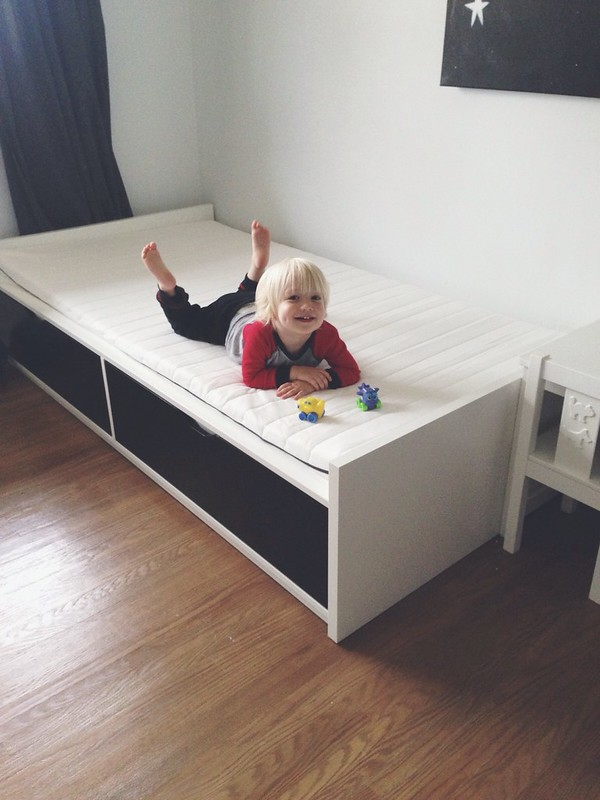Ikea Leksvik Kinderbett Nachfolger ~ Ben LOVES it, he was so excited as we set it up, and jumped up on it