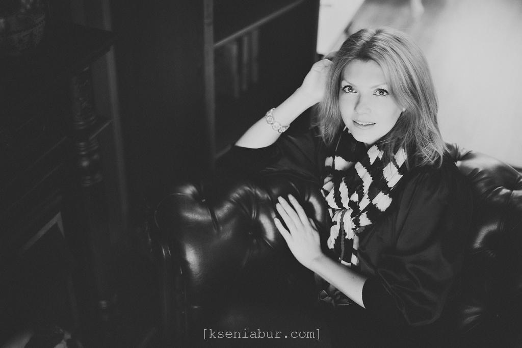 Фотосессия девушки в интерьерной студии Новосибирск