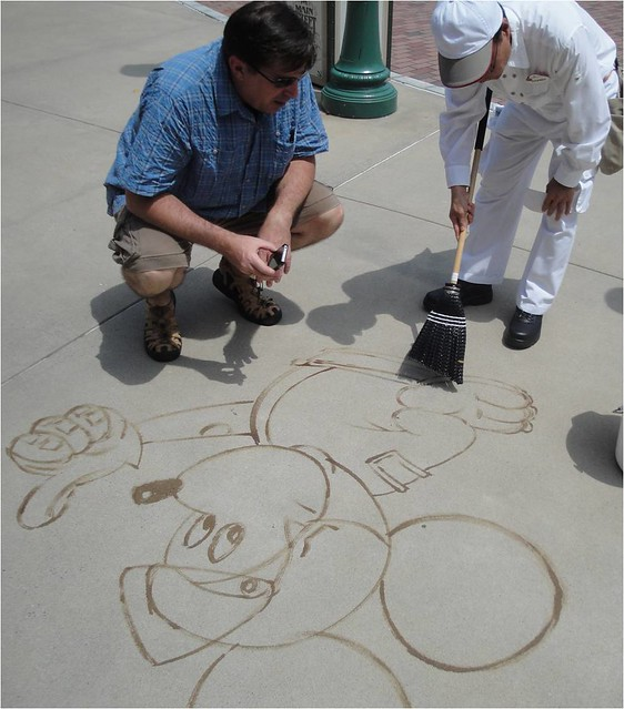 disneyinstitute-A Leadership Lesson: The Role of Positive Peer Pressure in Workplace Culture