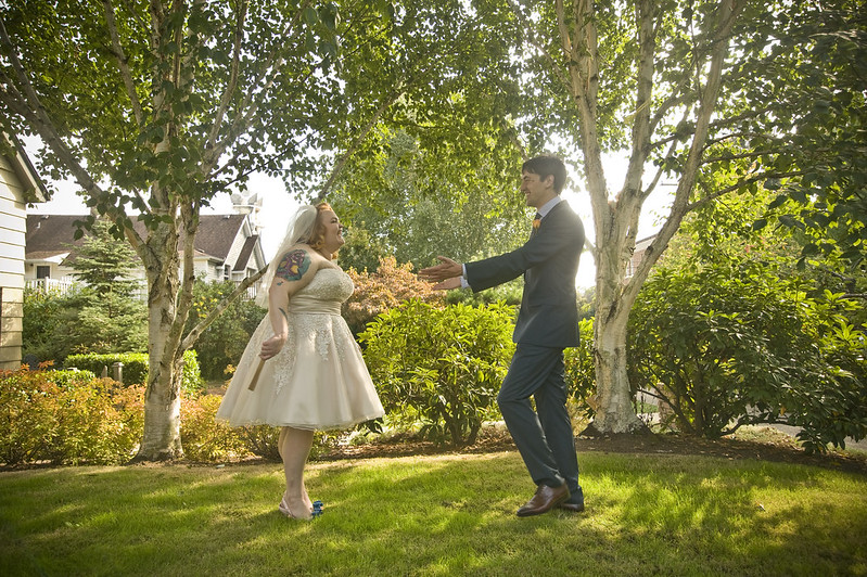 Abby Amp Steve S Heartfelt Friend Powered Wedding Offbeat