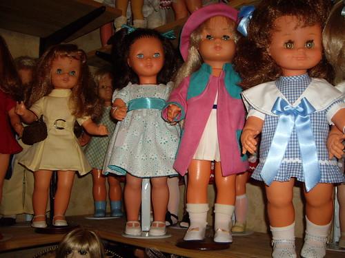 Les poupées de ma maison  11367887735_bb77ea7a7c