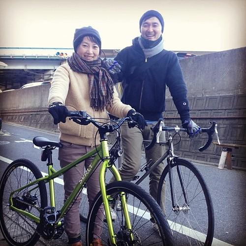 素敵な笑顔を頂きました。ご夫婦揃って自転車のカスタムが終了し、納車DAY。ありがとうございました!