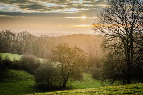 morning winter fog sunrise dawn day hill worcestershire crews a99