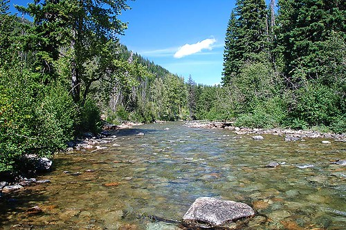 Similkameen River at Mule Deer Campground, Manning Provincial Park, Cascade Mountains, Hope, British Columbia, Canada