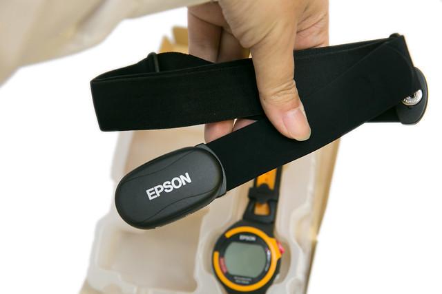 EPSON 鐵人腕式 GPS 運動手錶 SS-701 (1) 開箱看看 @3C 達人廖阿輝
