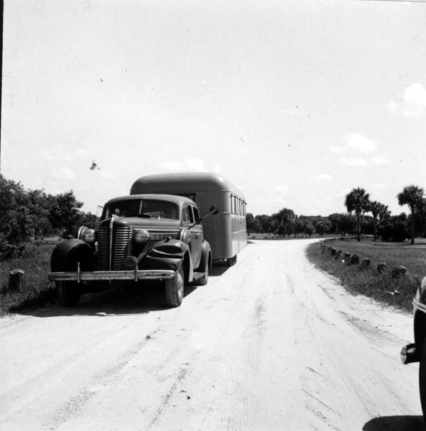 Car with trailer near Myakka River State Park entrance