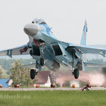 Sukhoi Su-27UB on finals