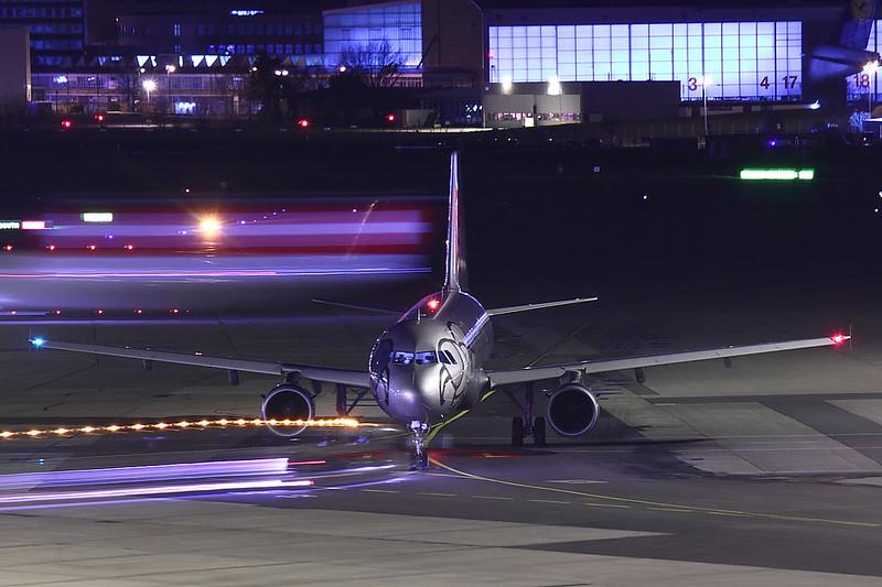 Niki - A321 - OE-L%%