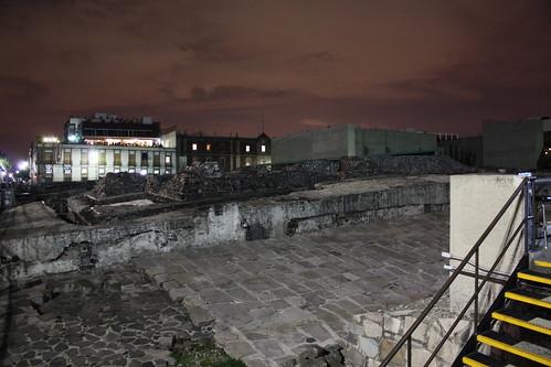 Templo Mayor de Noche