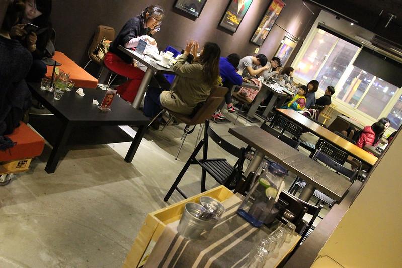 【板橋咖啡館.下午茶】猜咖啡,猜猜我喝了什麼咖啡? 板橋新埔站咖啡館<有貓咪的咖啡館>
