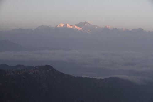 morning cloud india mountain montagne landscape pic summit himalaya nuage paysage darjeeling inde matin leverdesoleil sommet kangchenjunga