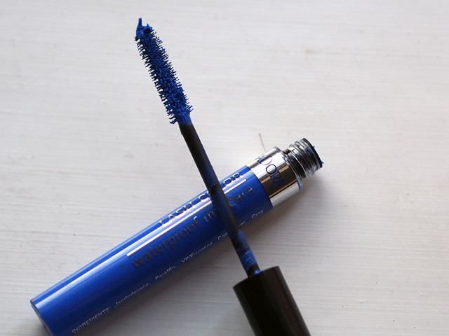 isadora poolside blue mascara