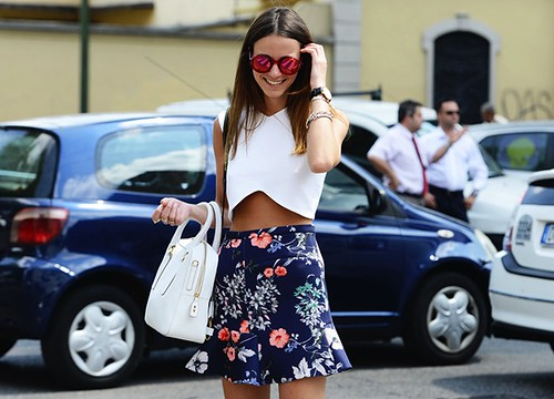 Crop top, zara skirt, mirrored sunglasses, fashion,