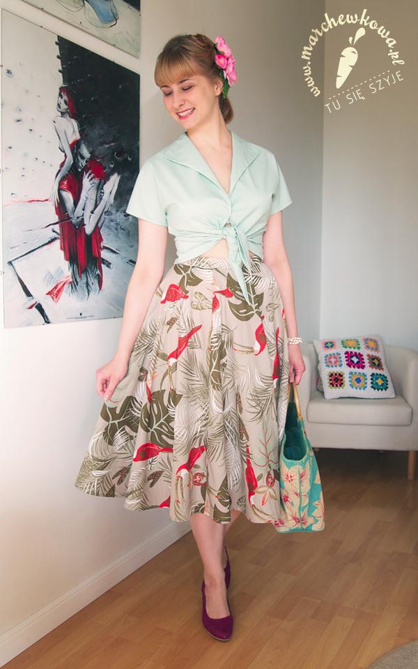 blog, szafiarka, moda, retro, vintage, szycie, krawiectwo, bluzka z kimonowymi rękawami i wiązaniem, 50s, #120, Burda 4/2013, bawełna, miętowy, spódnica w ptaki, tukany, buty, obcas, Tchibo, Rags&Silks, kwiaty na spince, IKEA
