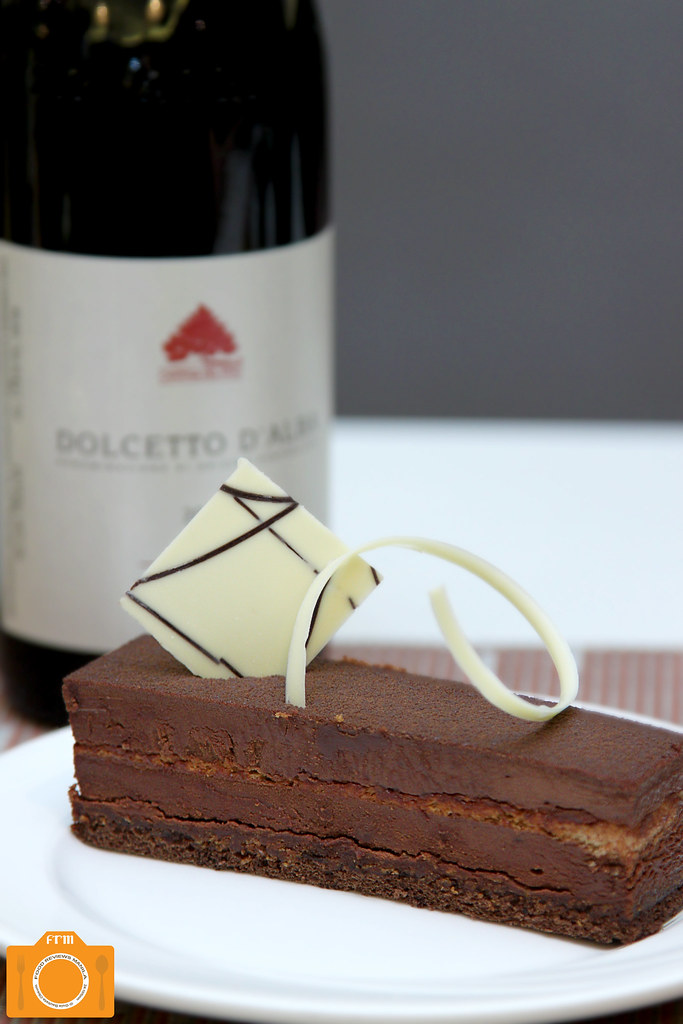 The Cake ClubDolcetto D' Alba and Le Royale