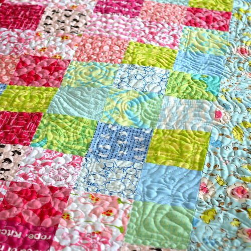 Blackberry Winter Blossom Quilt - quilting texture