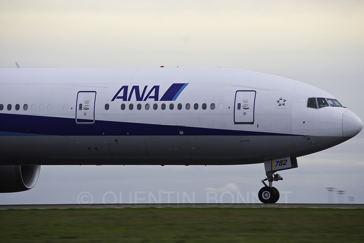 All Nippon Airways Boeing 777-381(ER) JA782A