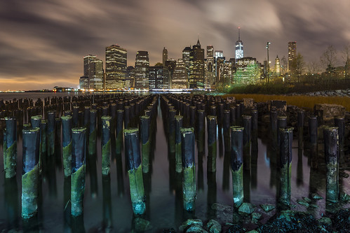 wood city nyc longexposure urban ny newyork skyline brooklyn night río sunrise buildings river dawn lights luces pier edificios madera nikon downtown cityscape skyscrapers cloudy manhattan ciudad amanecer nocturna poles nuevayork rascacielos largaexposición d600 apocalypsis photographyforrecreationeliteclub photographyforrecreationclassic