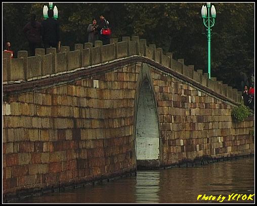 杭州 西湖 (其他景點) - 135 (從白堤上回望西湖十景之 斷橋)